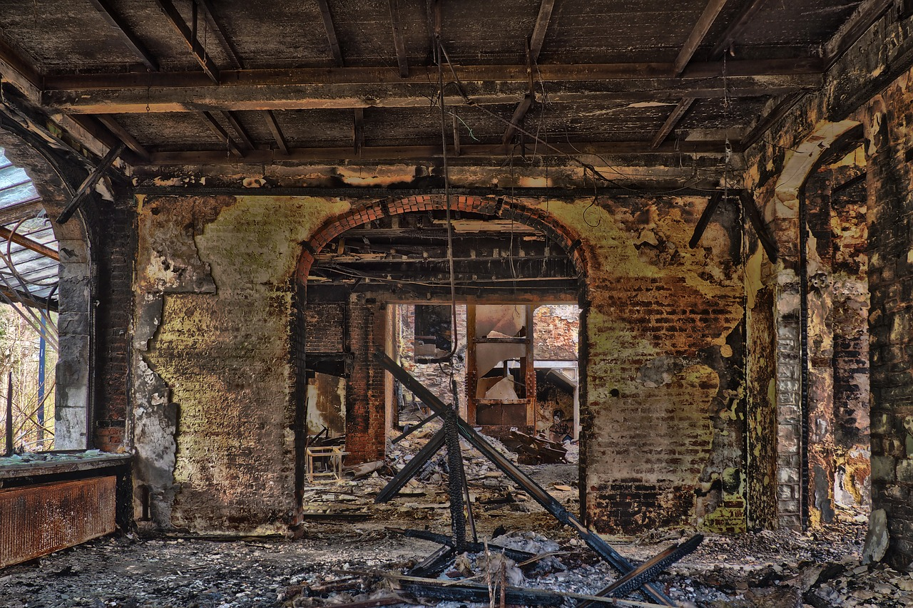 Fire damage: What can a building survive?