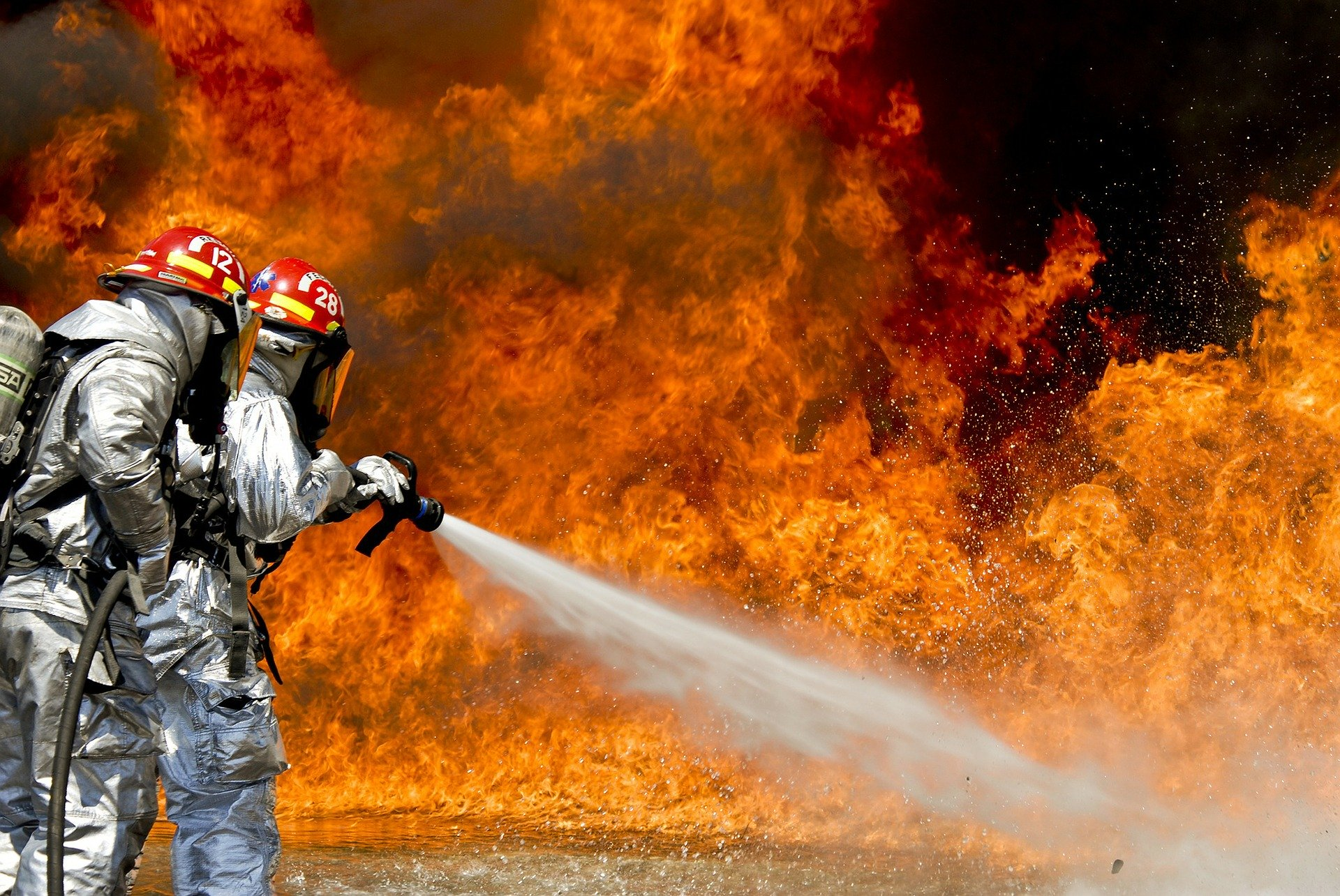 Getting Closer to Fire: How Does a Fire Proximity Suit Work?